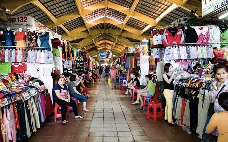 Chợ đầu mối chuyên sỉ lẻ quần áo lớn trong nước.